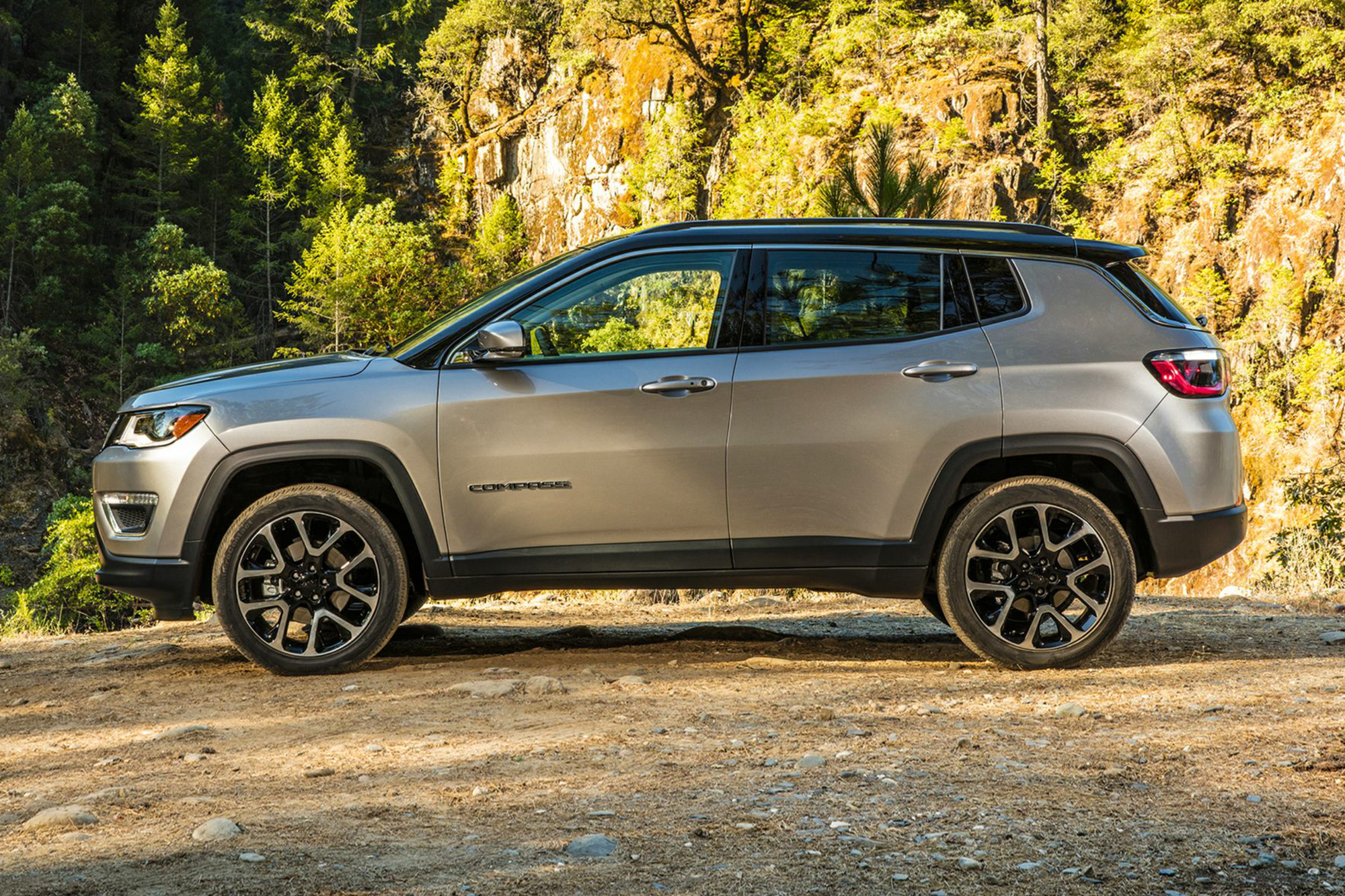 jeep-compass-2019-exterior-side-oem