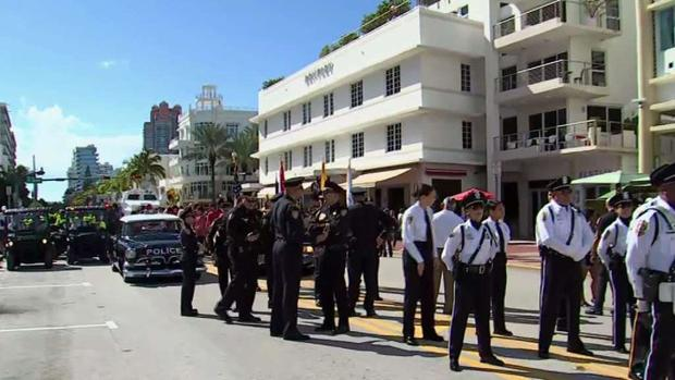 [MI] Miami Beach Holds Annual Veterans Day Parade