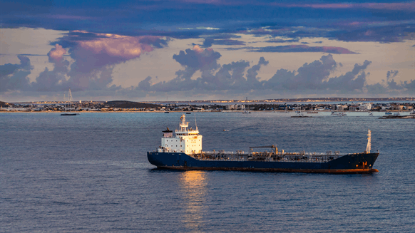 Oil Tankers Idling Off China Possess Key to Shipping Rates