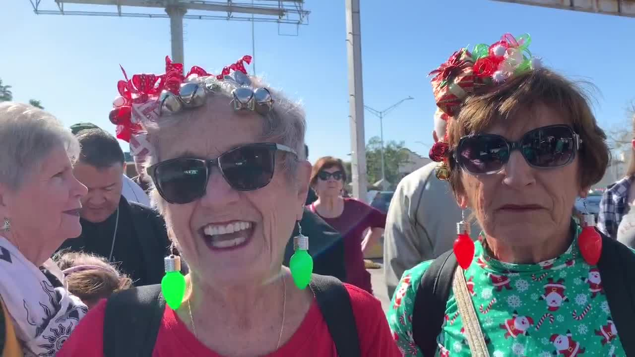 """Thumbnail for the video titled """"Minnesotta retirees to feed 2nd Christmas Eve meal to Matamoros migrants in Mexico"""""""