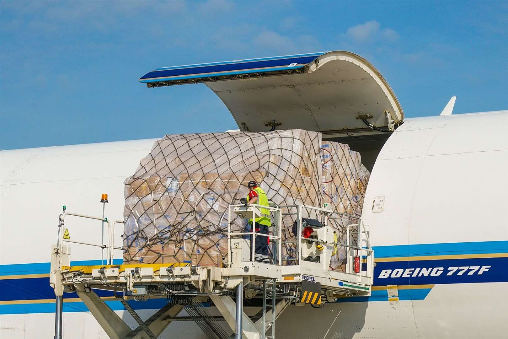 Stansted cargo (42277629)